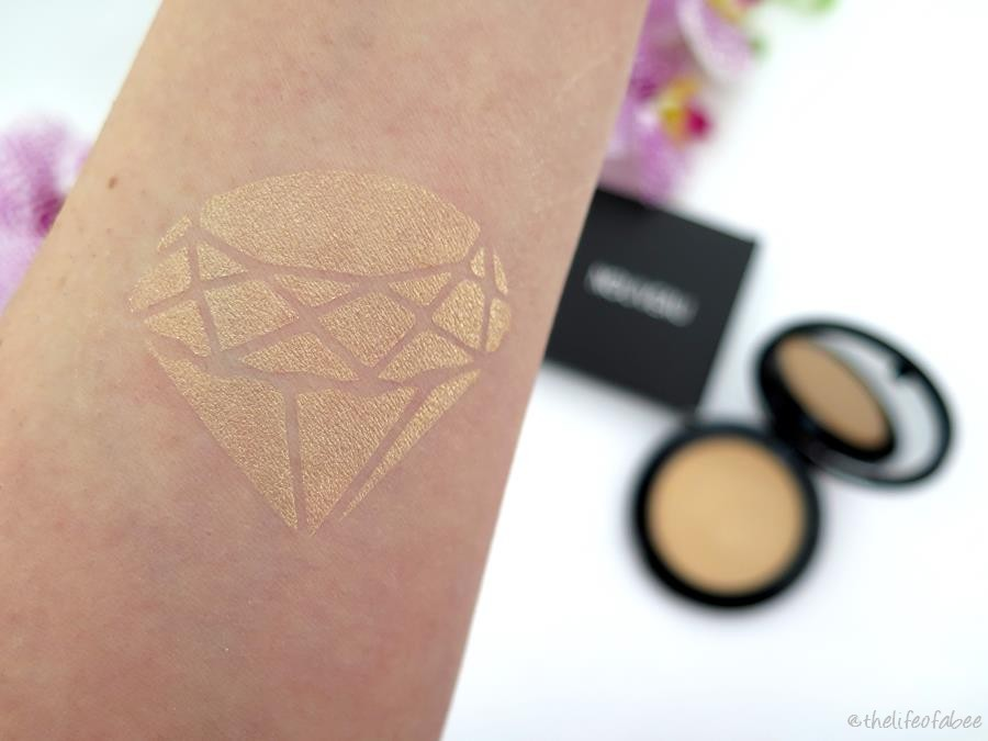 review swatches nouveau cosmetics champagne illuminante