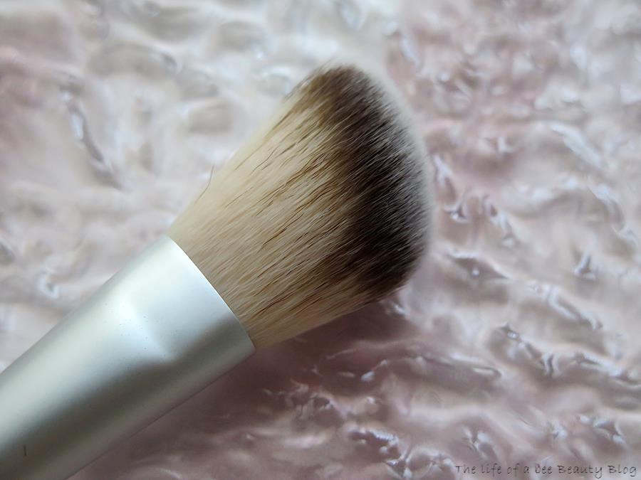 amilà clean beauty pennelli recensione review blush brush